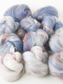 Deliciously Textured White-Blue Gradient Set with Sari Silk (190767)